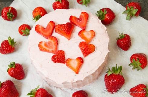 Erdbeer-Herz-Torte (3 von 8)