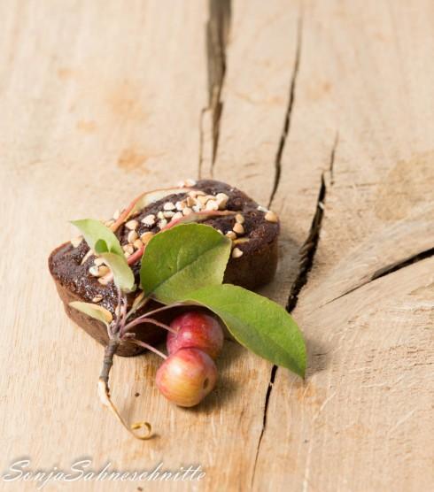 mini-chocolate-apple-cakes-kleine-apfel-schoko-kuechlein-12-von-14